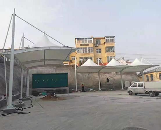 城阳充电桩膜结构车棚完工