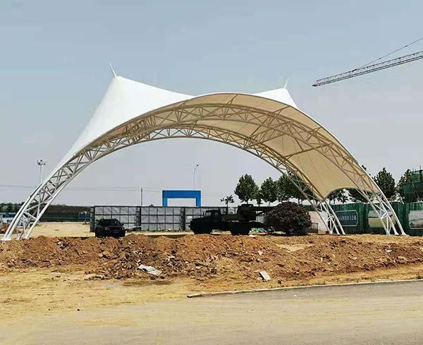 黄岛区幸福村科技园大门口青岛膜结构看台完工