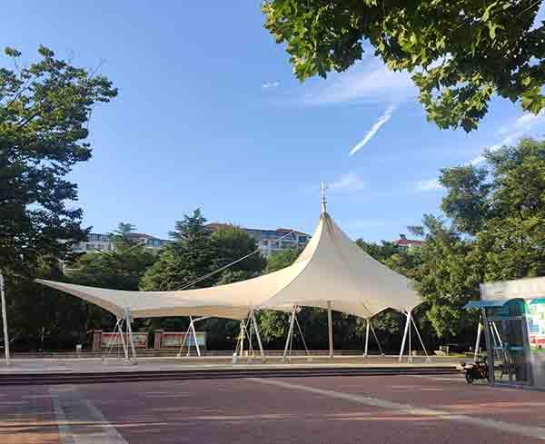 城阳盈园广场膜结构景观安装竣工